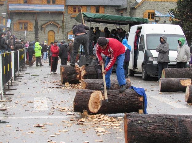 Bariloche, Centro Cívico, Concurso de 'hachero' [07.08.16] - 04